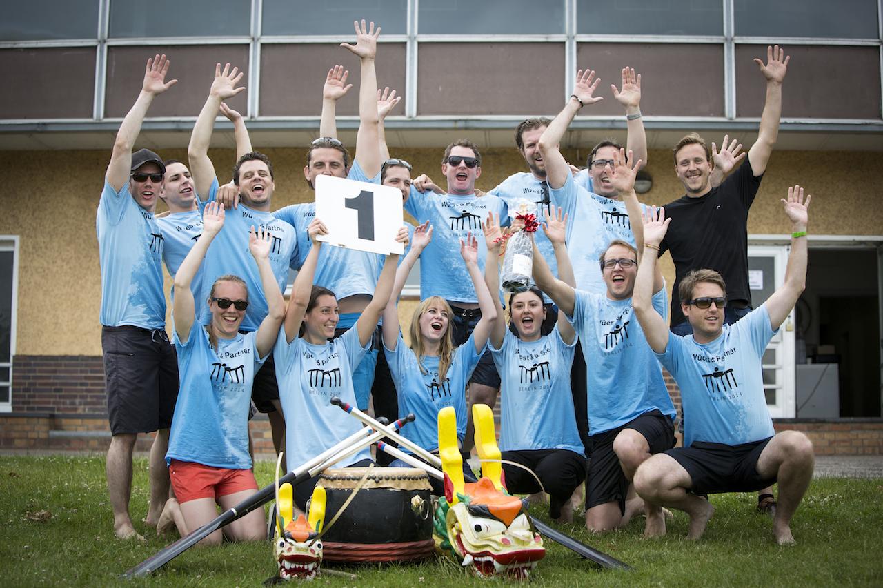 Teamevent in Berlin mit glücklichen Teilnehmern