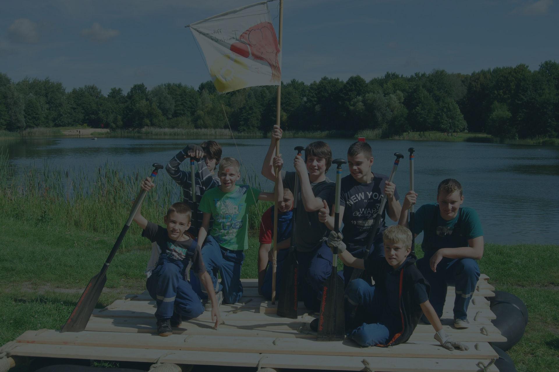 Schülerevent Floßbau Background